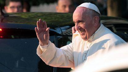 Paus haalt uit naar drugsbendes