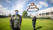 """Tom Herck (35) creëert gigantische kandelaar met 33 brievenbussen aan Sint-Trudo Ziekenhuis: """"Steun bij onzekerheid en verlies"""""""
