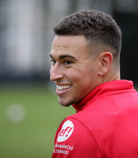 Larsson helpt Jong NEC langs Jong Heerenveen