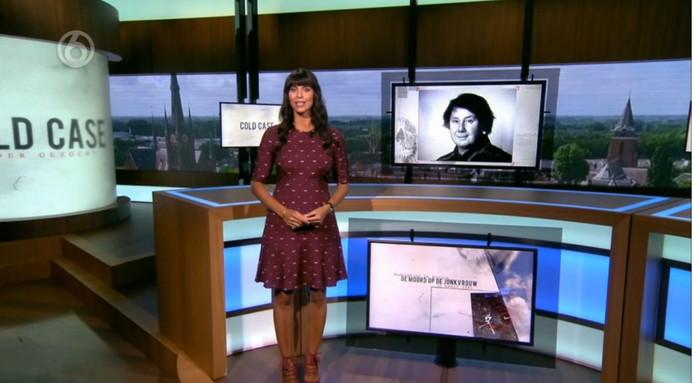 Het tv-programma Cold Case gezocht, dat zondagavond in het teken stond van de onopgeloste moord op de Woerdense jonkvrouw Ruud de Ranitz (53) in 1991, heeft ongeveer veertig tips opgeleverd.