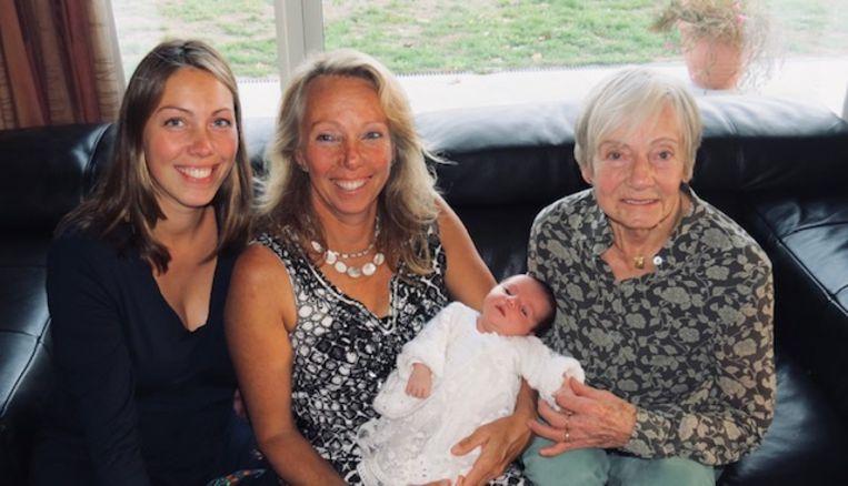 Elena, Jana, Inge en Jossine vormen samen een vrouwelijk viergeslacht.