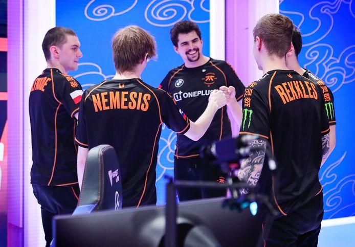 Fnatic (foto) en G2 Esports zijn de enige twee Europese teams die nog kans maken op de wereldtitel League of Legends dit jaar.