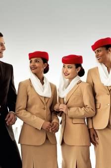 Emirates zoekt stewards en stewardessen, ervaring niet nodig
