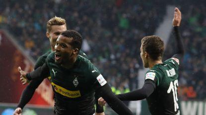 Hattrick Pléa loodst Gladbach naar tweede plaats, Thorgan Hazard met knappe assist
