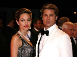 """""""Elle s'est glissée nue dans son lit"""", quand Brad Pitt trompait Jennifer Aniston avec Angelina Jolie"""