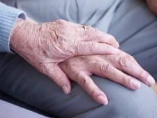 Bloedprikdieven hebben in Utrecht wéér een bejaard slachtoffer gemaakt