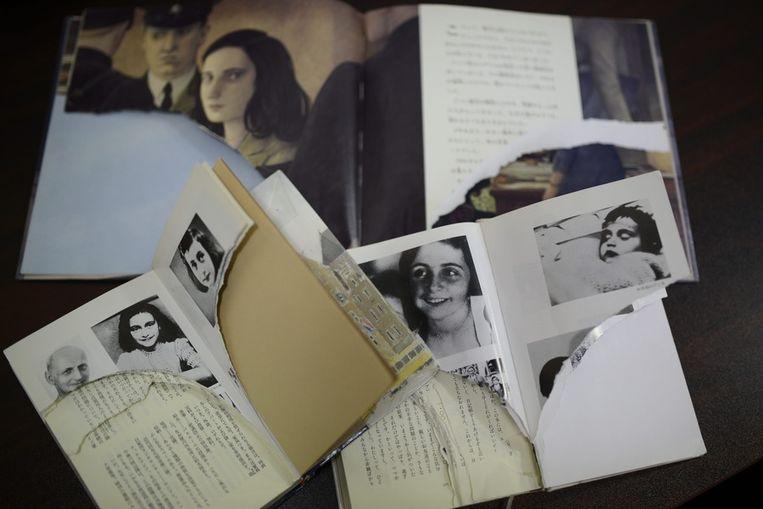 In bibliotheken in de Japanse hoofdstad Tokio zijn uit meer dan 200 exemplaren van het dagboek van Anne Frank en soortgelijke boeken pagina's gescheurd. Beeld anp