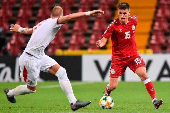 Op het EK voor beloften schitterde verdediger Maehle onder meer met 2 goals tegen Oostenrijk.