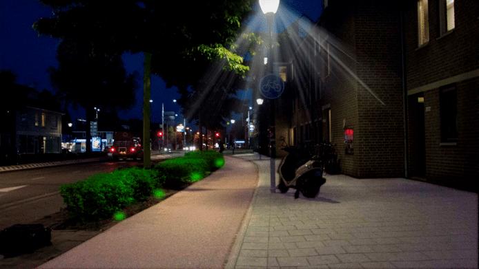Een voorbeeld van hoe licht kan bijdragen aan leefbaarheid: Licht op Groen, een idee van TU/e-studenten, verlicht donkere hoekjes op de Ring in Eindhoven waar fietsers gevaar lopen, bijvoorbeeld bij de Leenderweg.