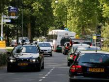 Wijkraden zwaar bedroefd, Apenheul blij met keus voor parkeren op velden van AGOVV in Apeldoorn