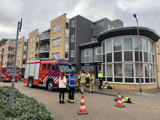 Veertig bewoners uit woonzorgcomplex De Welstede in Axel zijn ondergebracht in verpleeghuis De Vurssche nadat een gaslucht werd geconstateerd.