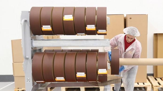 Voor de iQos-sigaretten produceert Philip Morris in Bergen op Zoom cast leaf, vellen geperst tabak.