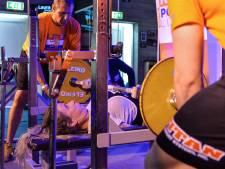 Animo voor powerliften groeit:  'sauna' zit bomvol bij NK in Apeldoorn