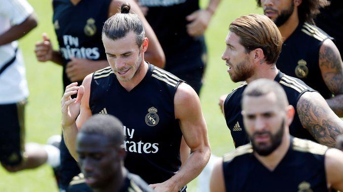 Gareth Bale op de training van Real Madrid met Sergio Ramos.