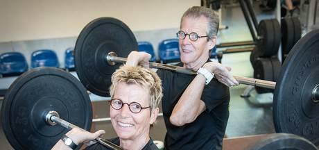 IJzersterk echtpaar (66 en 70) naar EK gewichtheffen in Zweden