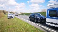 Kettingbotsing met vijf wagens op N42 in Oombergen