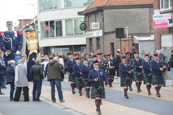Uit Gent was The Flemish Caledonian Pipes & Drums 'Clan Mackenzie' te gast.