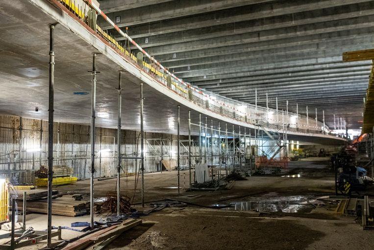 De tunnel onder het Operaplein is begint vorm te krijgen.
