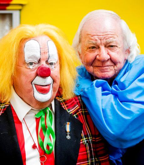 Bassie en Adriaan moeten 15.000 euro schadevergoeding betalen aan tegenspelers: 'Altijd blijven lachen'