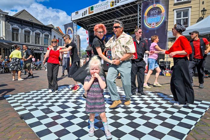16-06-2017 - Roosendaal  - Foto: Pix4Profs/Peter Braakmann - Retro festival Back to the Fifties op de markt in Roosendaal