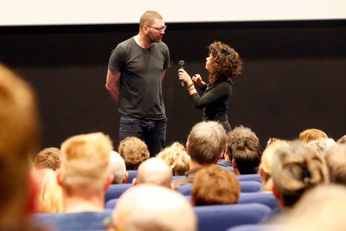 Helmond Theo Maassen beantwoordt vragen vanuit het publiek