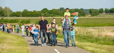 Wandelaars weer vier avonden op pad in Oud-Vossemeer