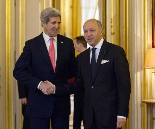Le secrétaire d'Etat américain John Kerry et le ministre français des Affaires étrangères Laurent Fabius