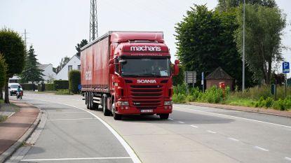 Extra verkeersreglementen om vrachtverkeer uit zijwegen van nieuwe vrachtroute te weren