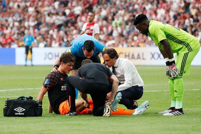 Sam Lammers liep zaterdag tegen Ajax een zware knieblessure op.