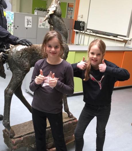 Meisjes krijgen geen vindersloon na aantreffen bronzen beeld: 'De 2000 euro was een lokkertje'