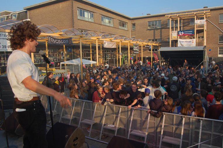 Het dak ging eraf op het Schoolrockfestival vorig jaar.