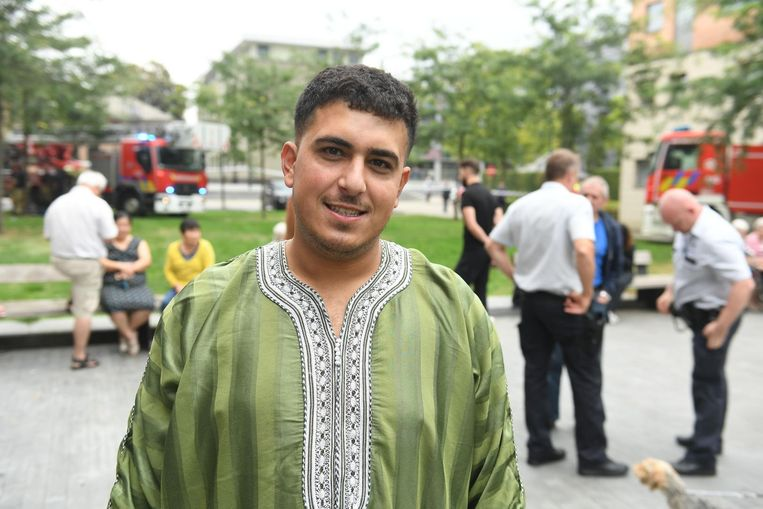 Aboubacar El Kabir werd door de brandweer samen met zijn vriendin van het dak gehaald.
