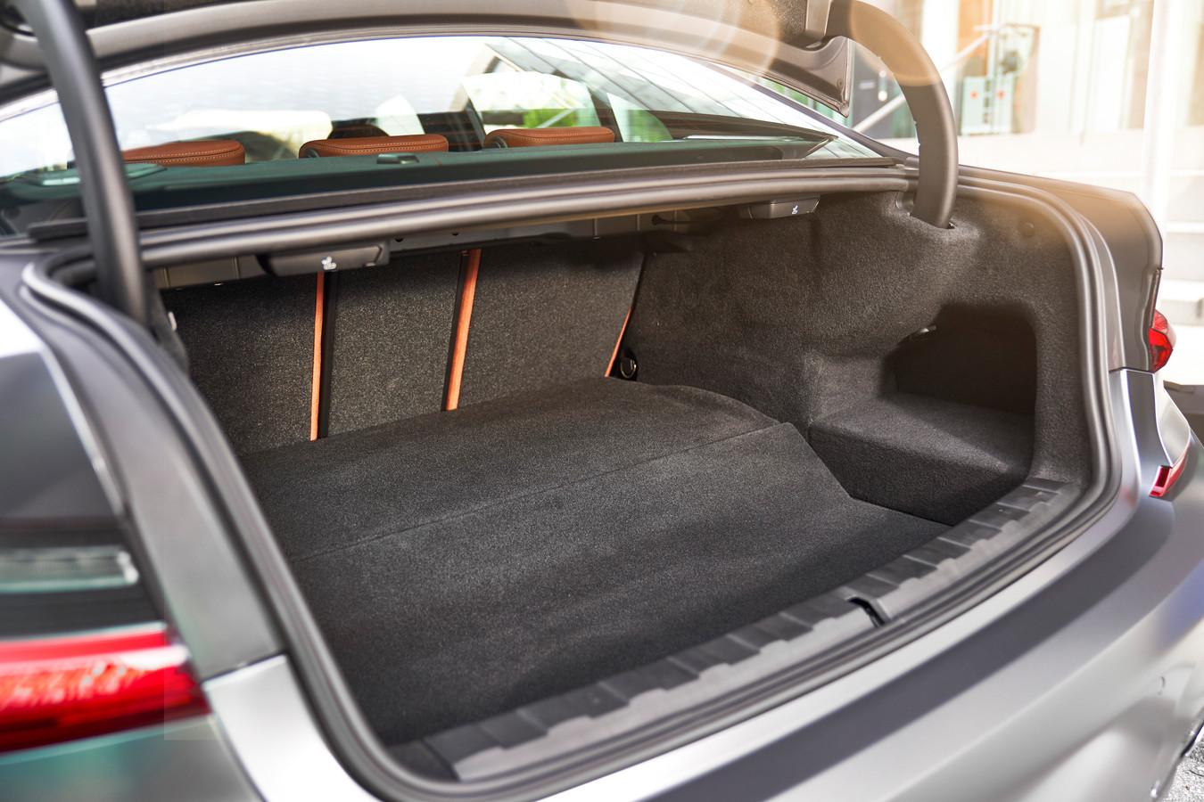 De bagageruimtevloer is iets hoger dan in andere 3-Series