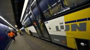 Buschauffeur De Lijn wordt onwel en rijdt geparkeerde wagens aan in Martelaarslaan