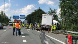 Kapellenaar (56) komt om bij kettingbotsing op A12 in Stabroek richting Nederland: file vanaf Antwerpse Ring