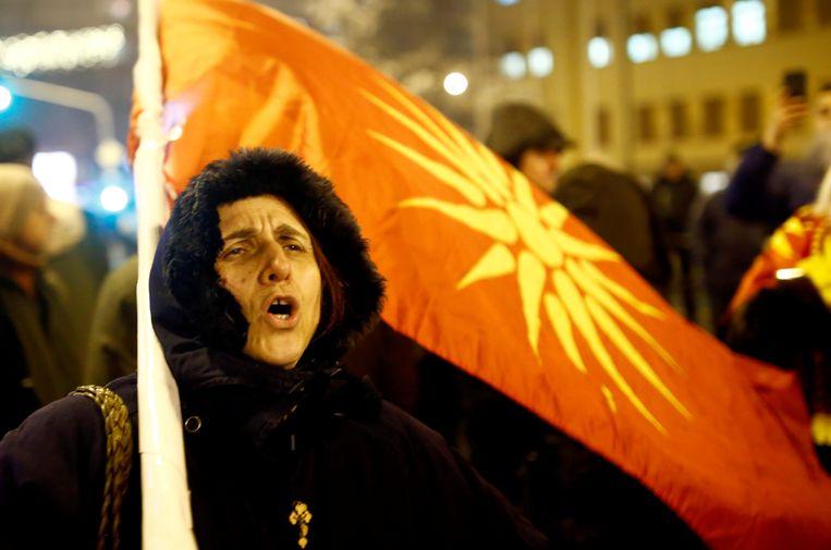 Tegenstanders van de naamswijziging demonstreren op vrijdag in Skopje. Beeld REUTERS