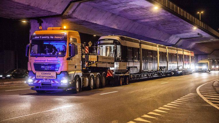 De tram werd per vrachtwagen naar de stelplaats van De Lijn in Gentbrugge gebracht.