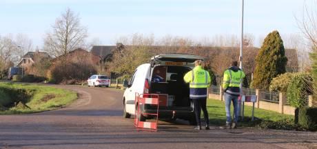 Inval politie bij woning in Velddriel, ook douane en defensie aanwezig