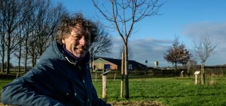 Michiel Bussink uit Lettele schreef het Handboek Buurtbongerds: 'Het is eigenlijk niet zo moeilijk'