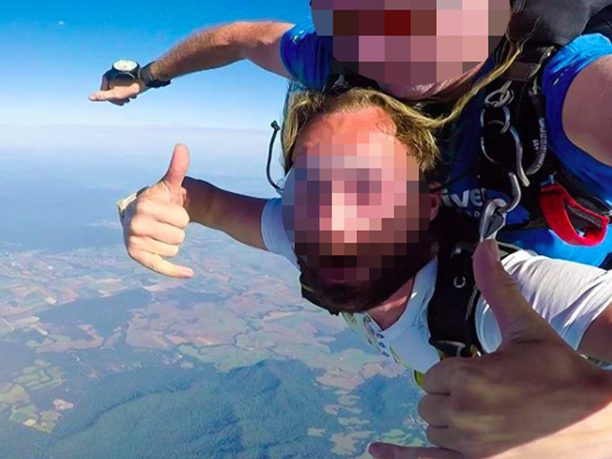 Bryan L. a fait du skydiving, de la plongée et du saut à l'élastique et a séjourné dans des hôtels de luxe.