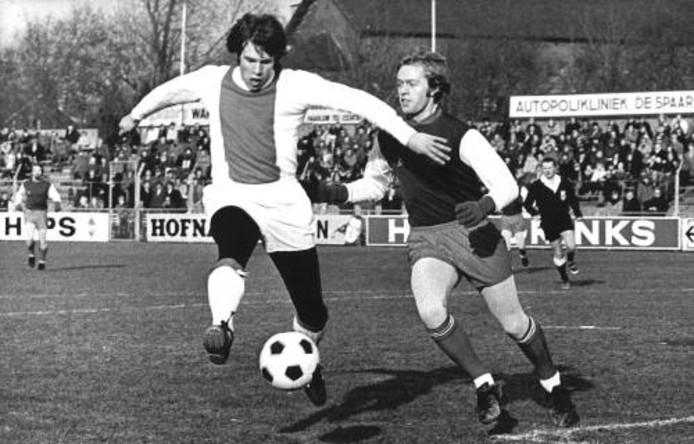 Dick van Dijk in het shirt van Ajax
