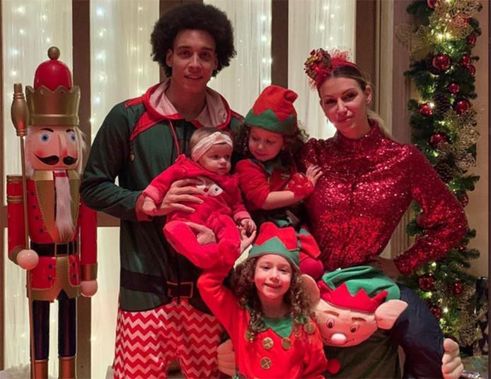 Axel Witsel fête Noël avec sa femme et ses enfants