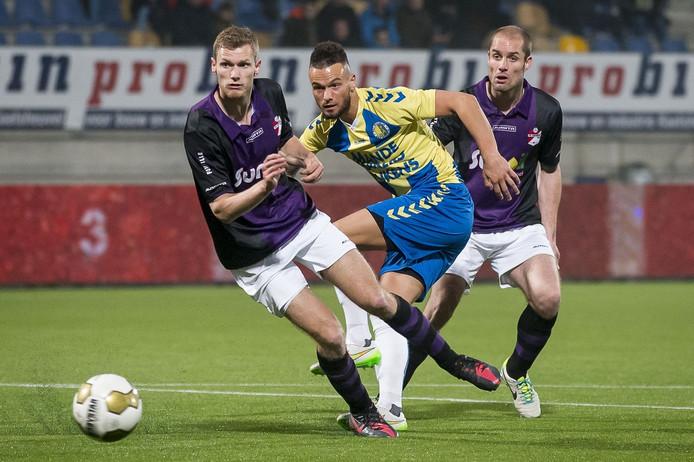 Nando Wormgoor (midden) in het shirt van RKC Waalwijk.