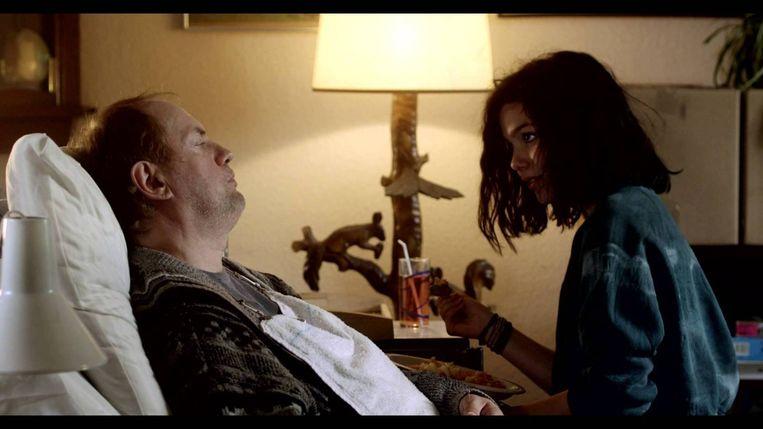 Stil uit de film Nena. Het scenario is geschreven door Saskia Diesing en Esther Gerritsen. Beeld  Cinéart