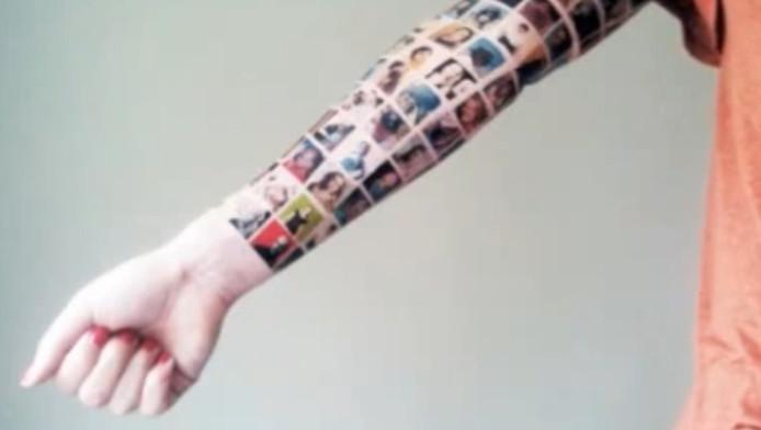 Een screenshot uit het tattoo-filmpje op internet.