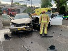 Negen gewonden bij ongeluk op rondweg Eindhoven; bestelbusje veroorzaakt ravage