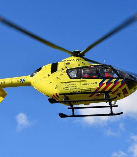 Traumahelikopter vliegt uit voor ernstige val wielrenner in Kamperland