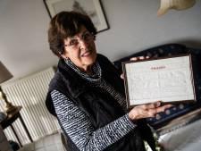 Een wit-linnen lapje is Truus dierbaar: 'Het is een leer-naaiwerkje uit 1921 van m'n moeder'