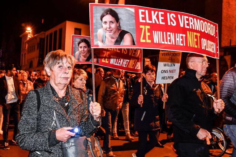 Ook nabestaanden van andere beruchte dossiers waren aanwezig, zoals hier van Elke Wevers.