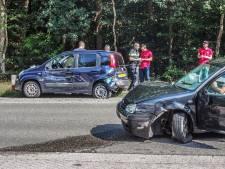 Ongeluk met meerdere auto's op Daam Fockemalaan in Amersfoort